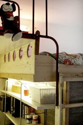 二段ベッドと耐震とロフト収納